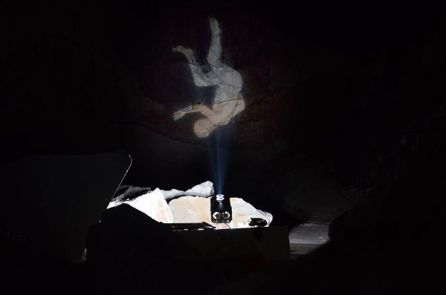 Performance di Santiago Morilla, courtesy l'artista.
