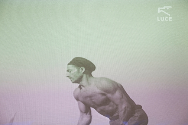 """Stefano Canto, La macchina Dvd Video, 6'24'', montaggio di Giulio Magnolia Musiche di Charlie Chaplin (film """"Tempi Moderni"""") 2012 , archivio Istituto Luce, Roma  Photo: Albrecht Tübke"""