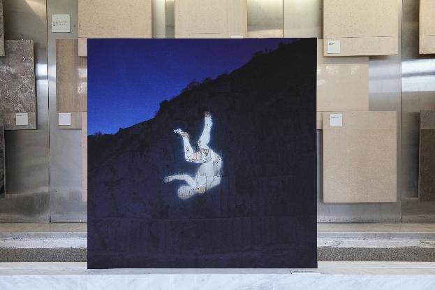 Santiago Morilla, Carrara Marble Falls #1, Stampa Fine Art Epson inkjet su carta Hahnemuhle 305gr 120x120 cm performance site-specific realizzata alle cave di marmo di Colonnata 2013. Courtesy Stefano Lanzardo
