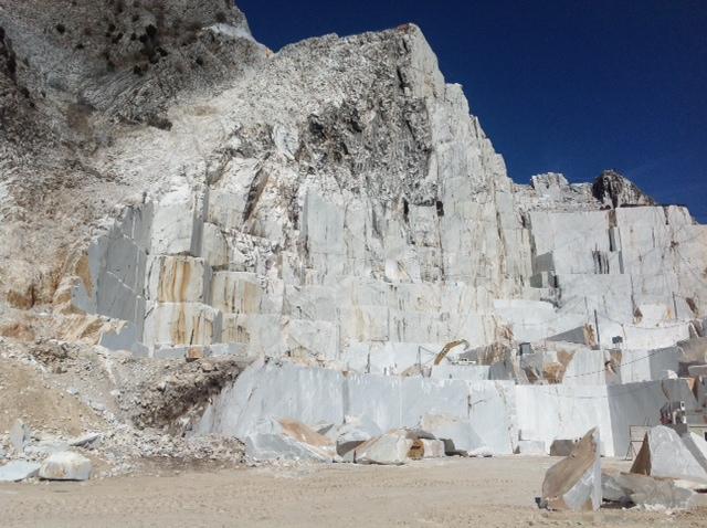 Cava Pulcinacchia bacino marmifero di Colonnata